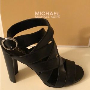 Michael Kors Alana Sandal /leather/ Size 6M